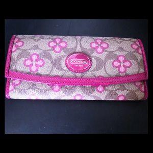 Women's Coach Envelope Wallet. Multicolored -Pink